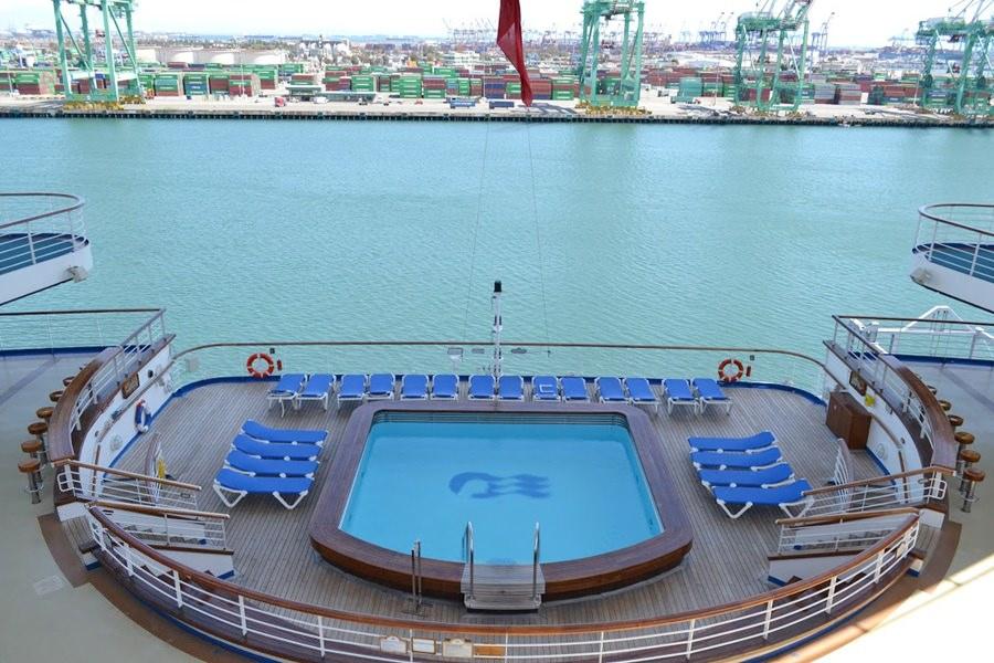 NP Terrace Pool
