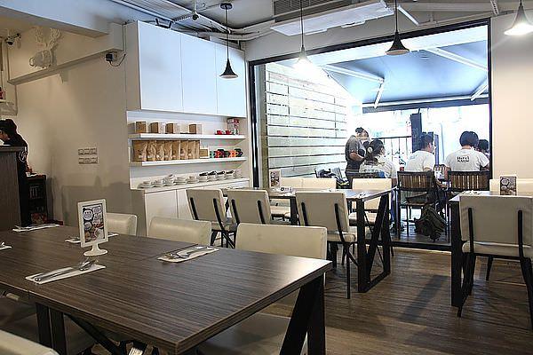 cafe 082